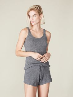 Combine the fluffy feeling of cashmere and the comfort and wearability of activewear with this cashmere tank & shorts set. Designed to be both airy and warm, the shorts feature a tie waist with a matching drawstring, while the tank top has a scoop neckline and a scoop back, which makes it feminine and elegant at the same time. Cashmere Pants, Cashmere Sweaters, Women's Wardrobe Essentials, Plane Outfit, Sweater Set, Cute Sweaters, Wide Leg Pants, Looks Great, Winter Outfits