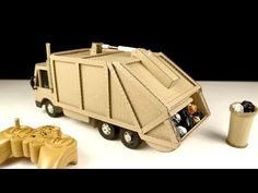 How to make Garbage Truck - Amazing Truck Toys. In this video I will guide you: how to make RC garbage truck at home for kids from using cardboard and motor . Paper Robot, Truck Crafts, Wood Toys Plans, Science Projects For Kids, Garbage Truck, Cardboard Crafts, Diy Car, Wine Bottle Crafts, Toy Trucks