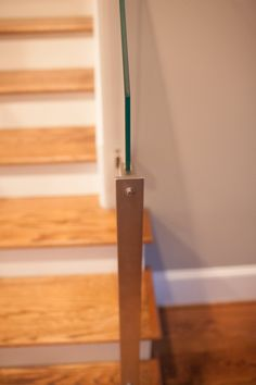 Stainless Steel Post And Glass Railings For Stairs