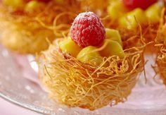 La mini kadaïf au citron vert et framboises Découvrez la recette de la mini kadaïf au citron vert et framboises