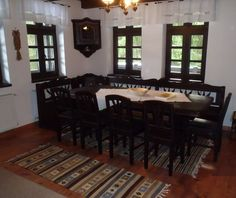 Traditional Decor, Traditional House, Rustic Decor, Interior Decorating, Sweet Home, Room Decor, Table, Romania, Furniture