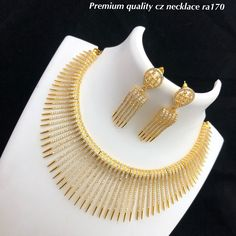 jewelry available at Arshi's. for bookings whatsapp on worldwide shipping Diamond Jewelry, Gold Jewelry, Gold Jewellery Design, Dubai, Temple, Bijoux, Diamond Jewellery, Gold Jewellery, Temples