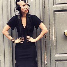 Lily Gatins wearing Aumorfia   TDRF_handpiece