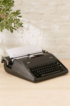 Royal Epoch Manual Typewriter
