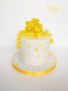 Torte Mit Schleifen | Gelb | Rüschen | Fondanttorte
