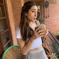 MoviePedia, is the platform for information of popular and hit Bollywood Movies their Songs, Cast & Crew, Trivia and More. Bollywood Stars, Bollywood Fashion, Bollywood Celebrities, Bollywood Actress, Need To Pee, Boyfriend Names, Sara Ali Khan, Play Tennis, Indian Actresses