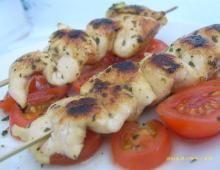Recettes minceur : Notre séléction de recettes pour maigrir Shrimp, Chicken, Cooking, Food, Filets, Chicken Breasts, Cherry Tomatoes, Cooking Recipes, Skewers