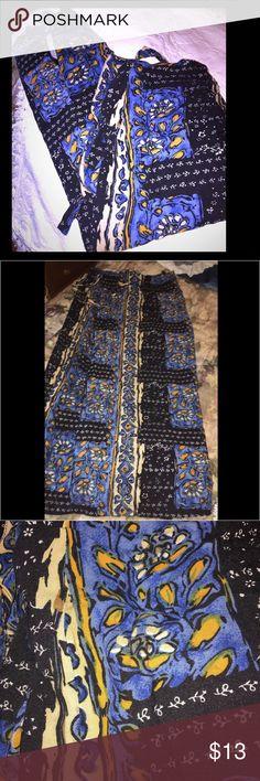 Wrap around skirt belt loop closure Cute long wraparound skirt , cute for a stroll on the beach 🌊 Skirts