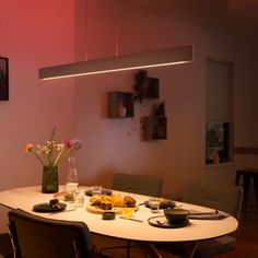 [New] The 10 All-Time Best Home Decor (Right Now) - Home Decor by Carrie Wright - Philips Hue Ensis pendellampe med white and color ambiance. Alle Hue produkter ligger i nettbutikken. Decorating Your Home, Interior Decorating, Interior Design, Strip Led, Led Spots, Philips Hue, Led Stripes, Nordic Home, Led Lampe