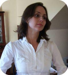 Blog Femina - Modéstia e Elegância: Casaco de camurça com lã, calça de couro sintético e blusão rosa