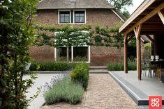 Garage Doors, Sidewalk, Garden, Outdoor Decor, Dahlias, Home Decor, Garten, Decoration Home, Room Decor