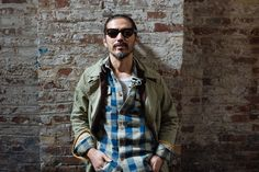 Visvim is a label heavy on ideals. Its founder, Hiroki Nakamura bluntly refuses to make any compromise to the quality of his garments to entertain expansion or increase commercial viability. Mode Dope, Dope Fashion, Mens Fashion, Style Fashion, Hiroki Nakamura, Streetwear, Navy Coat, Herren Outfit, Well Dressed Men