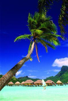"tropicaldestinations: "" The unique island of Tahiti (by Tahiti Tourisme España) - http://www.tropicaldestinations.info/ """