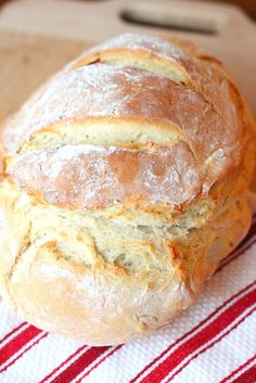 Just Another Day in Paradise: Dutch Oven Artisan Bread  This one can be made in a afternoon and does not need over night prep
