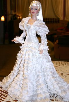 Fashion Tonner doll....wow looks so real...I got to check out these dolls.