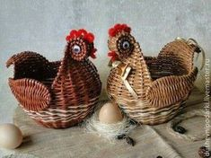 favorite home. Плетёные изделия от yasya Paper Weaving, Weaving Art, Chickens And Roosters, Newspaper Crafts, Paper Basket, Paper Beads, Diy Projects To Try, Spring Flowers, Basket Weaving