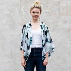 Squeak is a Melbourne based, boutique, design label specialising in digitally printed silk scarves, clothing and homewares products with personality.