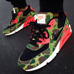 atmos x Nike Air Max 90