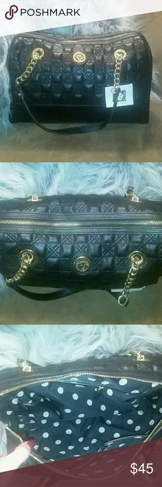 NWT anne klein bag Quilted Anne Klein bag, in new condition on the inside and out Anne Klein Bags Shoulder Bags