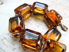 citrine statement necklace citrine Anna wintour by SacredCake Big Jewelry, Jewelry Making, Unique Jewelry, Anna Wintour Style, Signature Look, Fashion Necklace, Bling Bling, Glass Beads, Amber