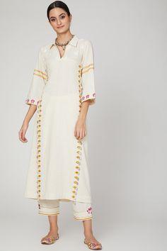 Khadi Kurta, Silk Kurti, Kurtha Designs, Kurta Neck Design, Kurta With Pants, Desi Wear, Indian Outfits, Indian Gowns, Indian Wear