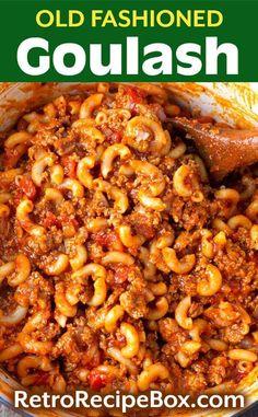 Best Goulash Recipes, Crockpot Recipes, Recipe For Goulash, Slow Cooker Goulash Recipes, Minced Beef Recipes Easy, Chicken Recipes, Venison Recipes, Oven Recipes, Shrimp Recipes