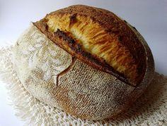 Adoro il pane di semola rimacinata di grano duro ma più di me mio marito,io amo molto sperimentare le varie qualità di farina ma la nostra freferita resta lei,sia per il colore che per il gusto,in purezza e ancor più buona :) Proviamo a fare questa ricetta insieme! Ingredienti 700 gr di farina di