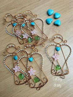 Christmas Tree Ornaments To Make, Wire Ornaments, Christmas Jewelry, Wire Crafts, Jewelry Crafts, Christmas Crafts, Wire Wrapped Jewelry, Wire Jewelry, Bead Jewellery
