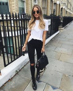 36 Unordinary Women Black Jeans Outfits Ideas For Spring And Summer In 2019 Jea. - 36 Unordinary Women Black Jeans Outfits Ideas For Spring And Summer In 2019 Jeans Outfit Source by twainnicholas - Basic Outfits, Mode Outfits, Simple Outfits, Jean Outfits, Trendy Outfits, Fall Outfits, Fashion Outfits, Fashion Trends, Fashion Women