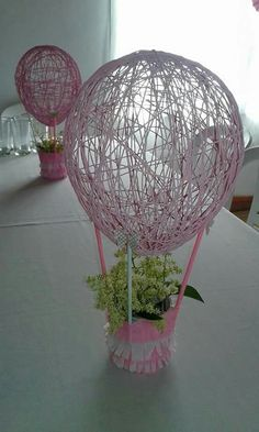Diy String Wrapped Balloons - New Deko Sites Diy Home Crafts, Diy Arts And Crafts, Crafts To Make, Do It Yourself Design, String Crafts, Jute Crafts, Easter Crafts, Baby Crafts, Diy Wall Art