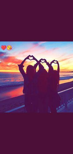 Best Friend Goals, Best Friends, Beautiful Pakistani Dresses, Besties, Friendship, Celestial, Sunset, Outdoor, Beat Friends