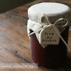 Ceramic gift tag for preserves.