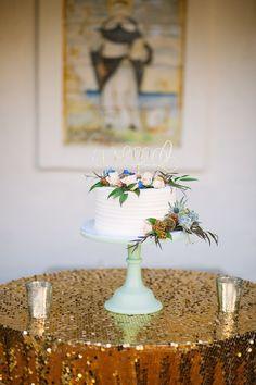 A simply stunning cake! View the full wedding here: http://thedailywedding.com/2016/01/15/villa-coastal-wedding-lauren-zach/