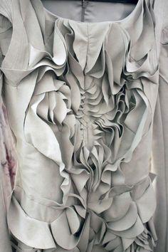 Symmetrical Textures manipulated fabric surface patterns - fashion details // Yiqing Yin Art Textile, Textile Design, Textile Texture, Fabric Textures, Textile Fabrics, Textile Patterns, Fabric Art, Grey Fabric, Yiqing Yin