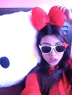 Hello Kitty Shades