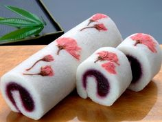 Sweets japan-Wagashi definitly want to try this! Japanese Sweets, Japanese Deserts, Japanese Wagashi, Japanese Food Art, Japanese Cake, Japanese Style, Mochi, Cute Desserts, Asian Desserts