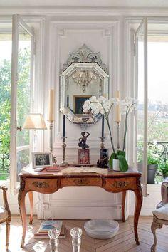 Camera da letto in stile parigino - Scrittoio in camera