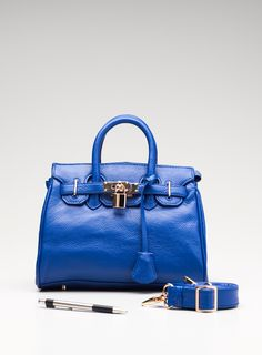 Love the color of this satchel!