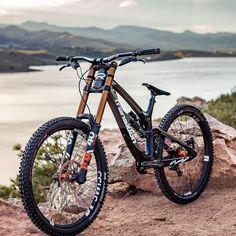 Administered - Candice Home 29er Mountain Bikes, Best Mountain Bikes, Mountain Biking, Mtb Enduro, Montain Bike, Mt Bike, Downhill Bike, Bike Design, Design Design