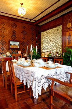 Filipino Living in a Modern Bahay Kubo Filipino Architecture, Philippine Architecture, Dining Room Design, Dining Area, Kitchen Design, Filipino Interior Design, Filipino House, Philippines House Design, Bamboo House Design