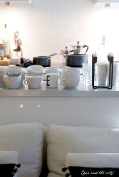 Livingroom and kitchen: http://divaaniblogit.fi/charandthecity/2014/01/09/olohuone-valmiina-illanviettoon/