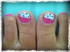Colorful polka dot nails