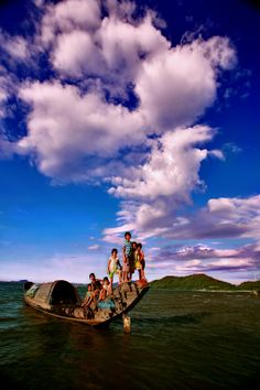 Tamgiang lagoon, Thua thien-Hue, Vietnam  Please like, share, repin or follow us on Pinterest to have more interesting things. Thanks. http://hoianfoodtour.com/ #hue #TamGianglagoon