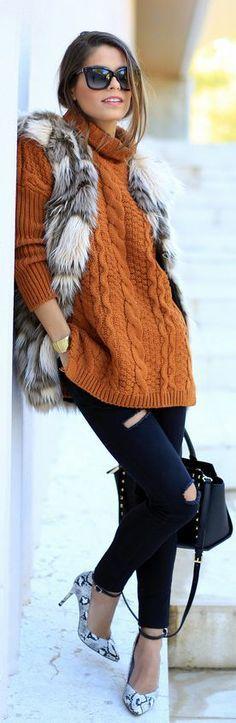 Camel knitted sweater, fur gilet and black jeans Fashion Moda, Cute Fashion, Vintage Fashion, Womens Fashion, Daily Fashion, Fall Winter Outfits, Autumn Winter Fashion, Winter Style, Winter Clothes