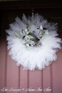 White Tulle Christmas Wreath...great tutorial!
