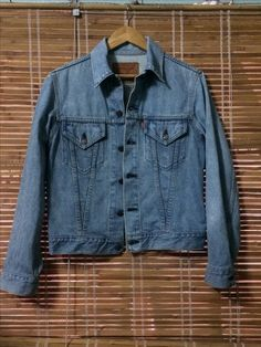 fe5869ac0e Vintage 90 s LEVIS Jacket Big E Made In JAPAN 1990. Acid Wash Collection  Size 36. NOT FOR SALE !