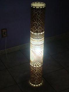 Luminária abstrata em PVC (1 metro)