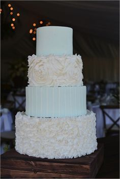 Amazingly textured blue and cream cake by Country Cake Shop. #wchappyhour #weddingchicks http://www.weddingchicks.com/2014/08/22/wedding-chicks-happy-hour-44/