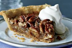 This classic fall dessert uses honey in place of highly processed corn syrup. Preheat the baking sheet along with the oven. This will help the pastry cook to a perfect golden brown on the bottom. Serve at room temperature to allow the filling to set. No Bake Desserts, Just Desserts, Delicious Desserts, Pie Recipes, Sweet Recipes, Dessert Recipes, Honey Pecan Pie Recipe, Quiches, Cheesecakes