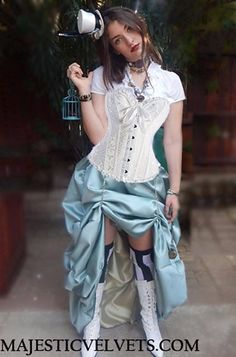 steampunk-alice-in-wonderland-costume-corset-and-bustle-skirt-15.gif (432×654